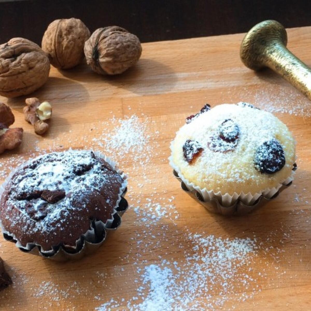Ezen a képen: Citromos-áfonyás és diós-csokis muffin