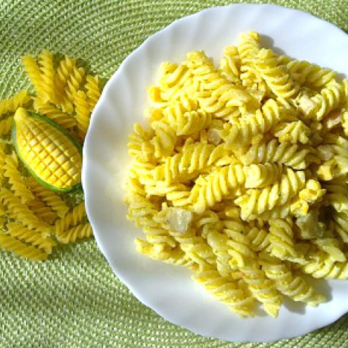 Currys-garnélás tésztasaláta