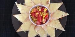 Sajtos tortilla mexikói salátával