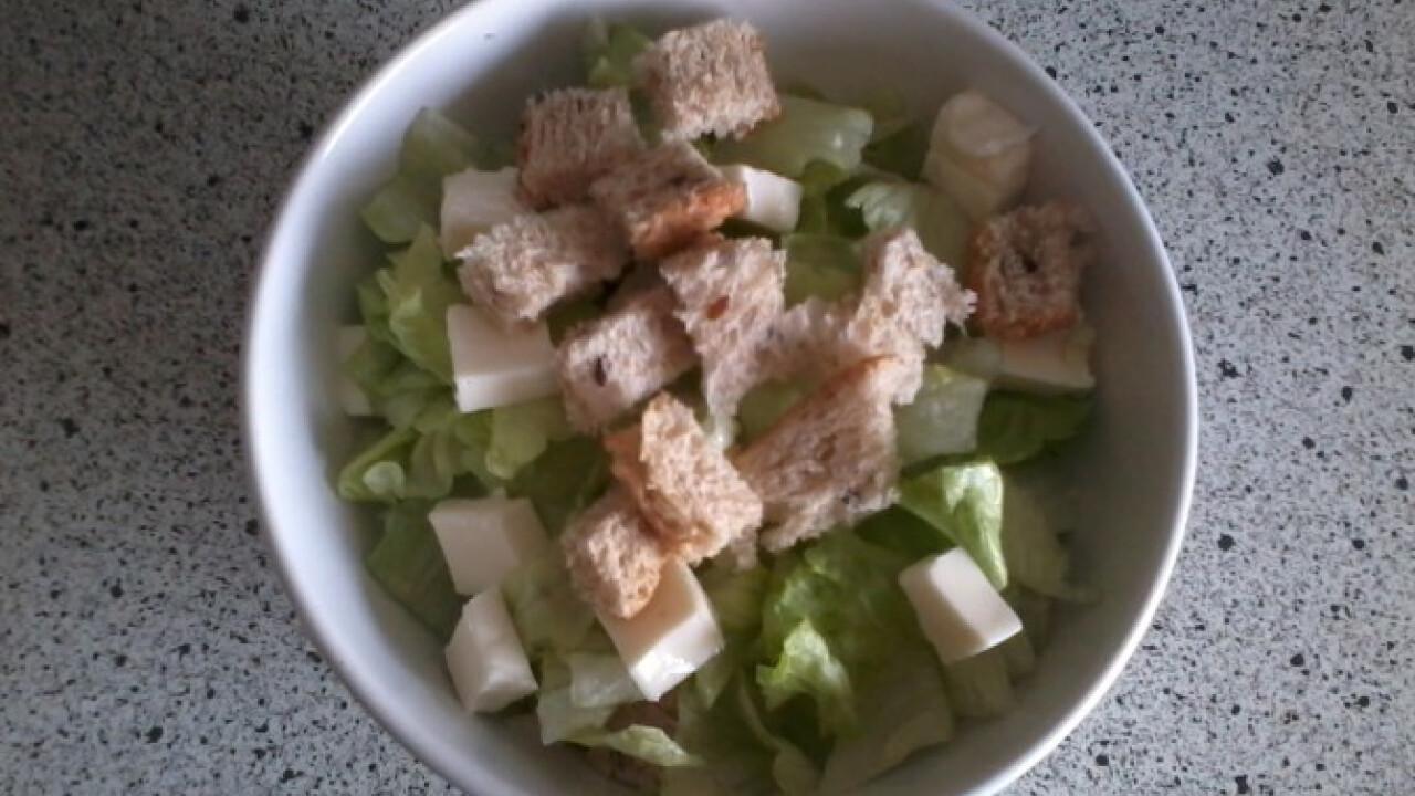Light kockasajtos saláta