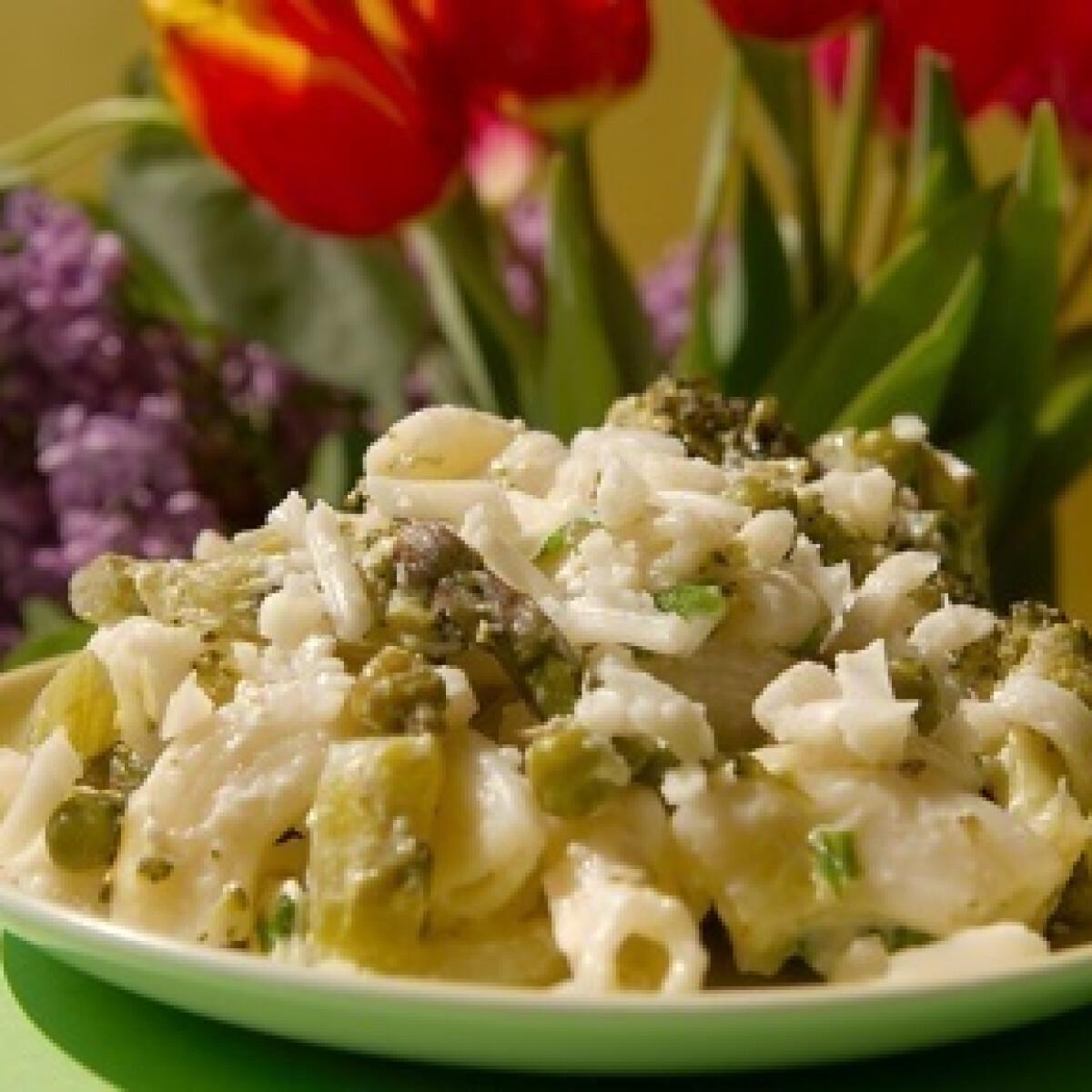 Ezen a képen: Tavaszi zöldséges tészta