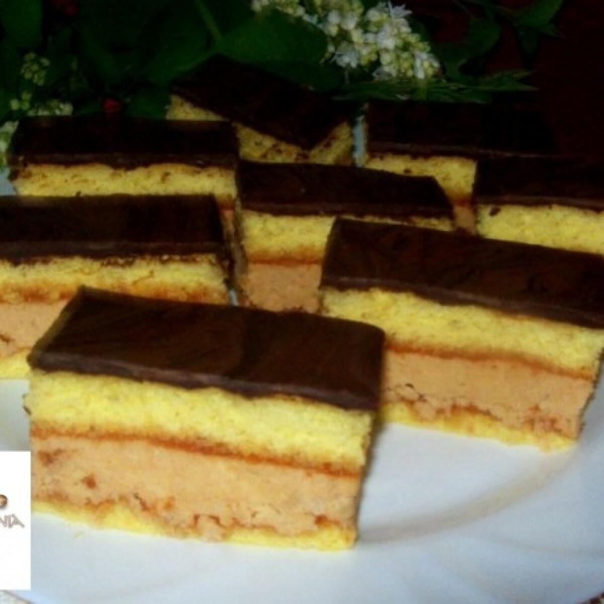 Ezen a képen: Kókuszos krémes sütemény Edit konyhájából
