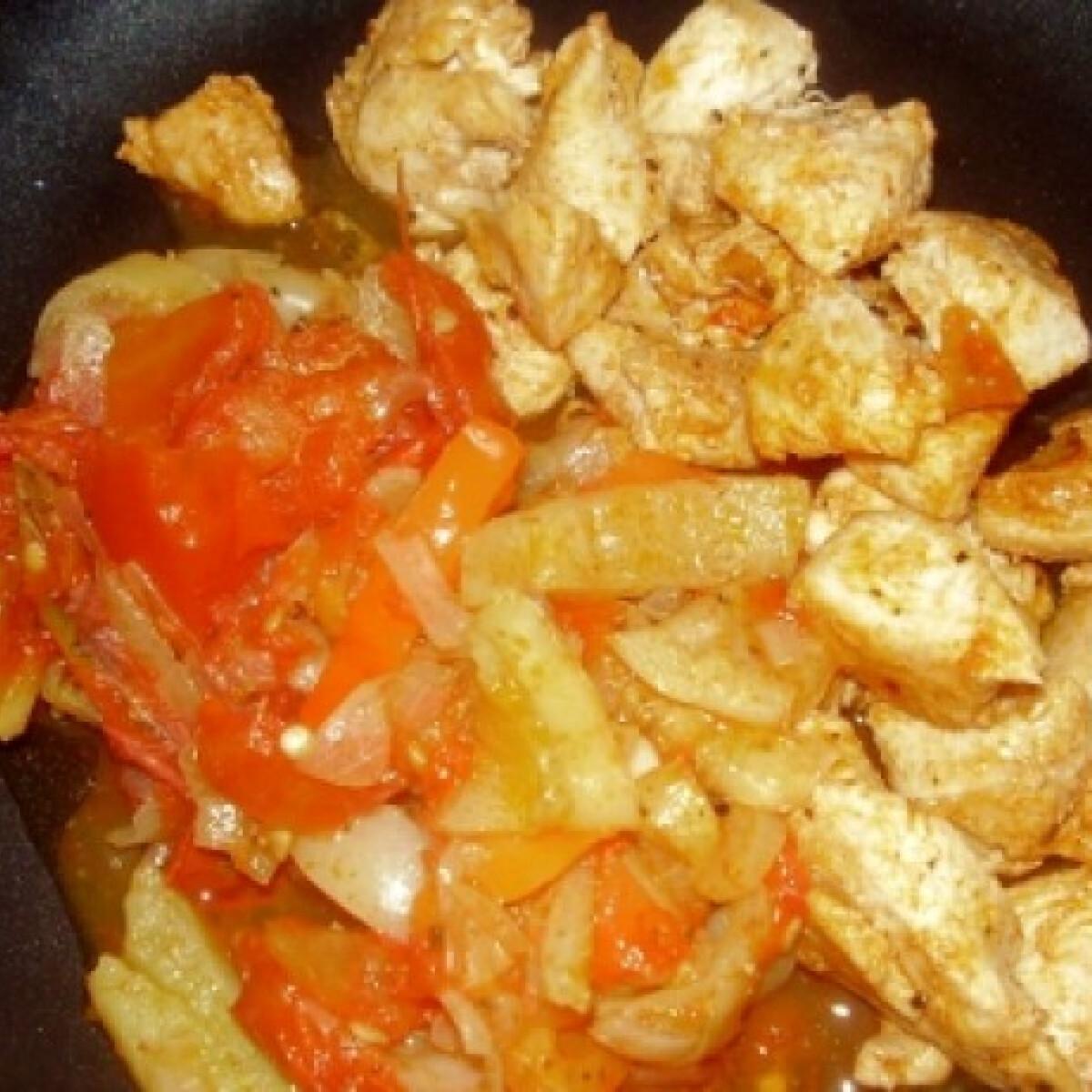 Chilis lecsó csirkével