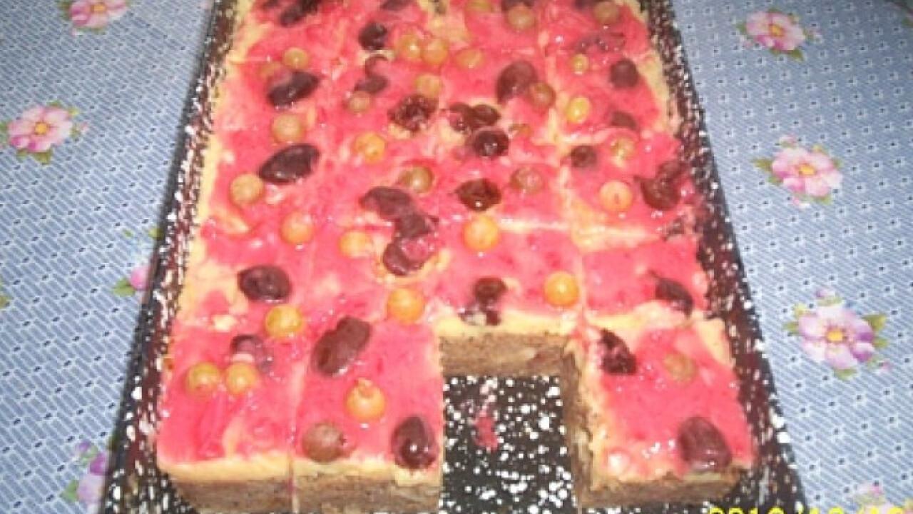 Zsemlefelfújt torta