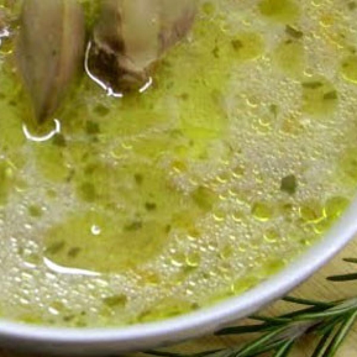Tárkonyos-csirkemájas leves