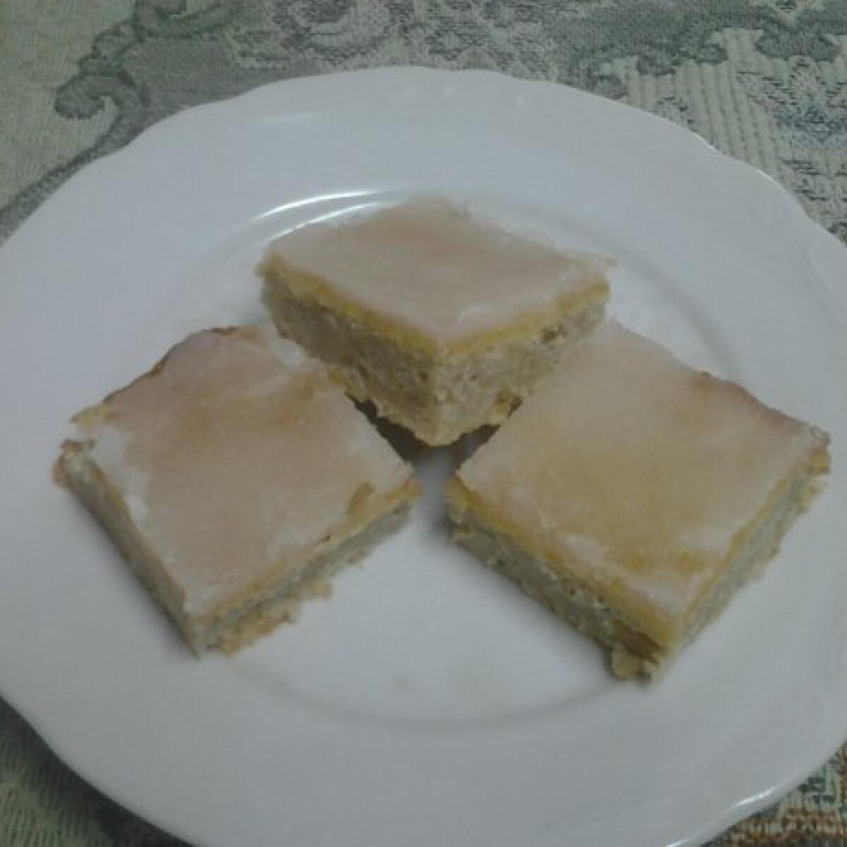 Ezen a képen: Almás fahéjas pite citrommázzal