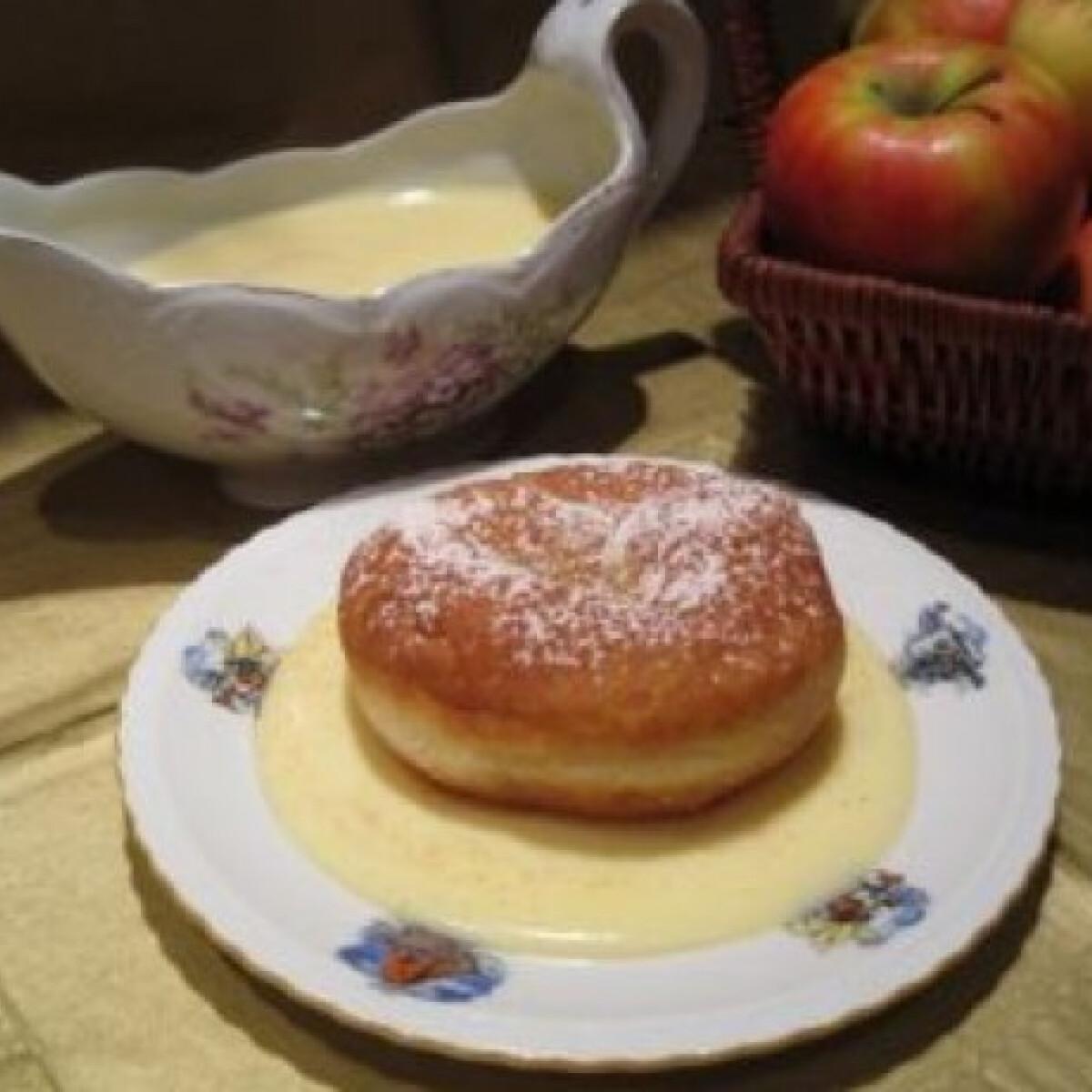 Almás fánk vaníliasodóval