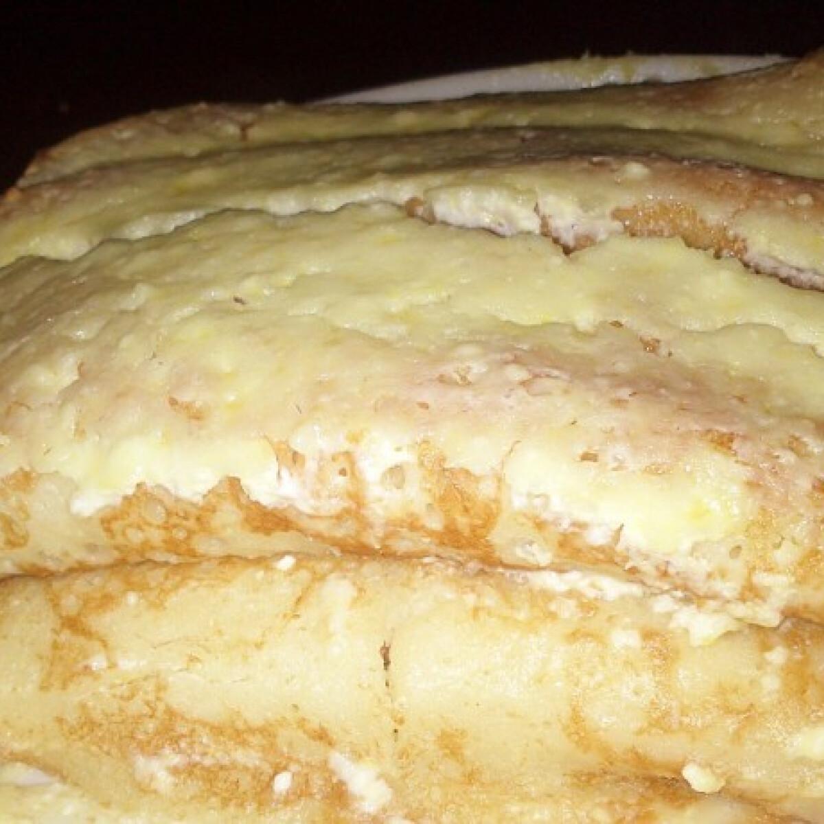 Ezen a képen: Túrós rakott palacsinta citromos mártással