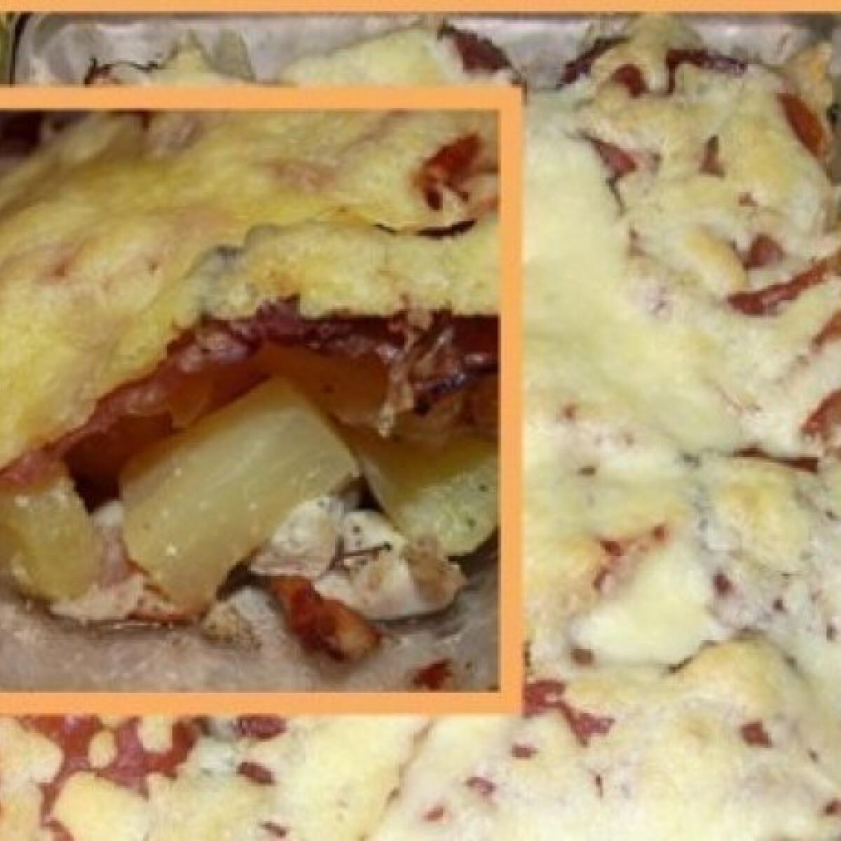 Ananászos csirkemell baconnel, füstölt sonkával