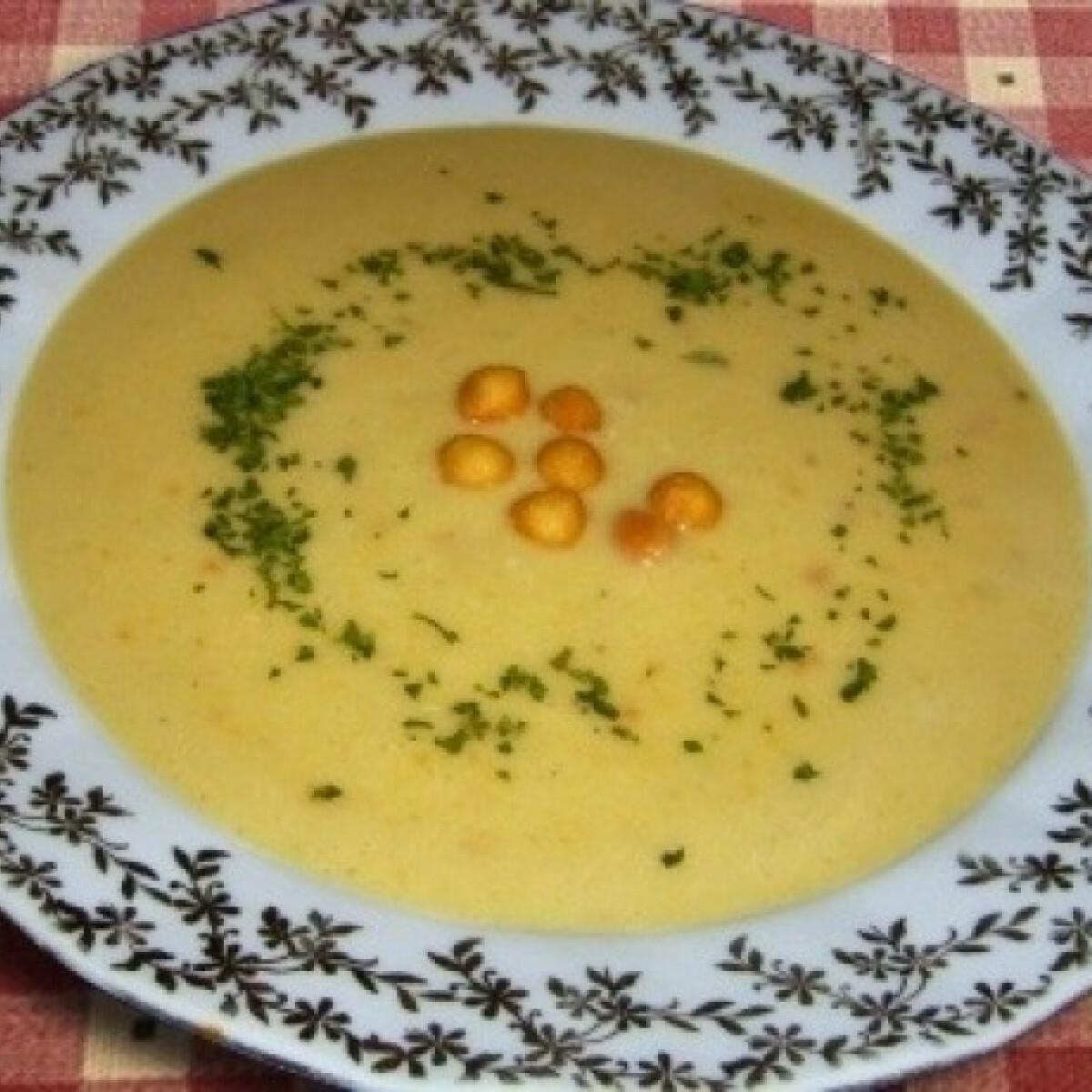 Ezen a képen: Sárgaborsó krémleves (Sárgaborsó leves 2.)