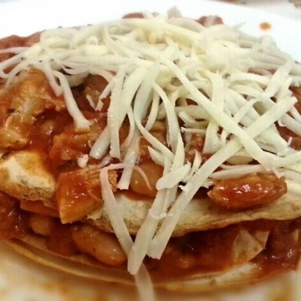 Ezen a képen: 10 perces tortilla-torony