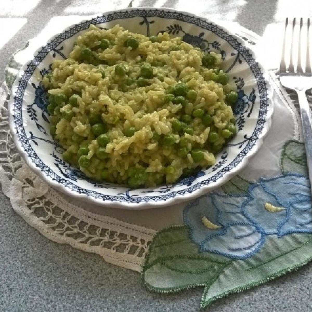 Ezen a képen: Zöldborsós zöld rizs