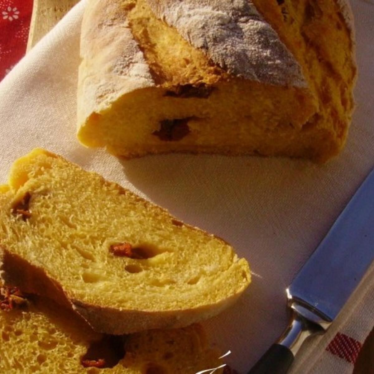 Ezen a képen: Sütőtökös-burgonyás kenyér