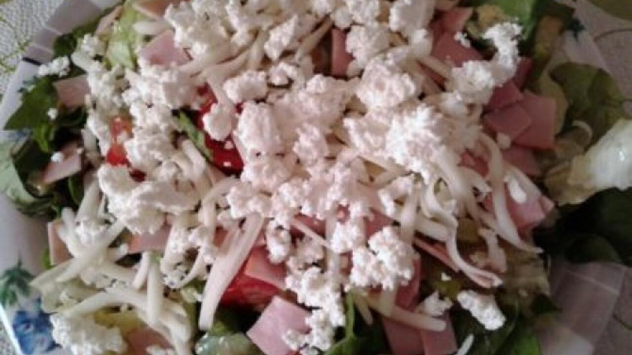 Spenótos-zöldspárgás-medvehagymás saláta