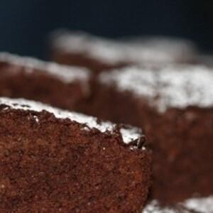 Csokiszirupos piskóta