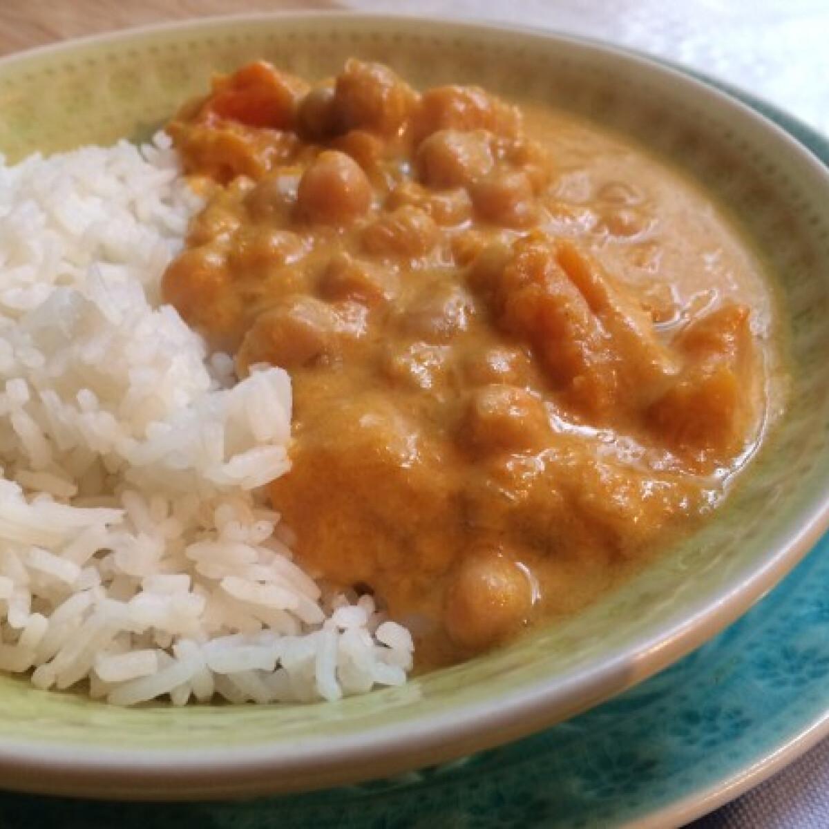 Sütőtökös-csicseriborsós curry