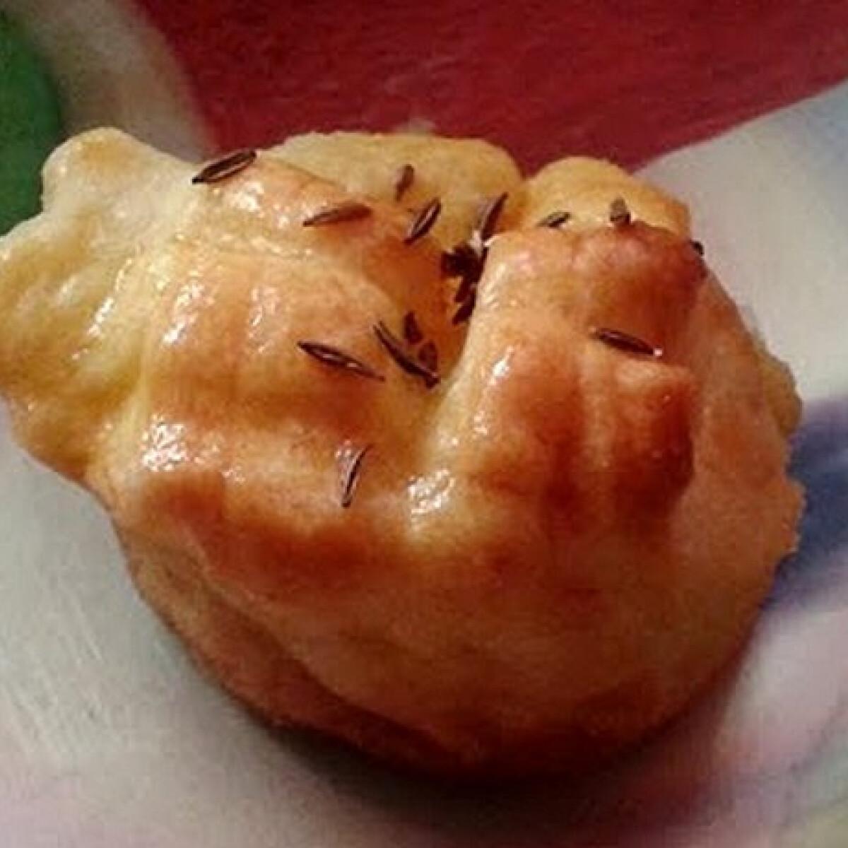 Ezen a képen: Burgonyás pogácsa Lvira konyhájából