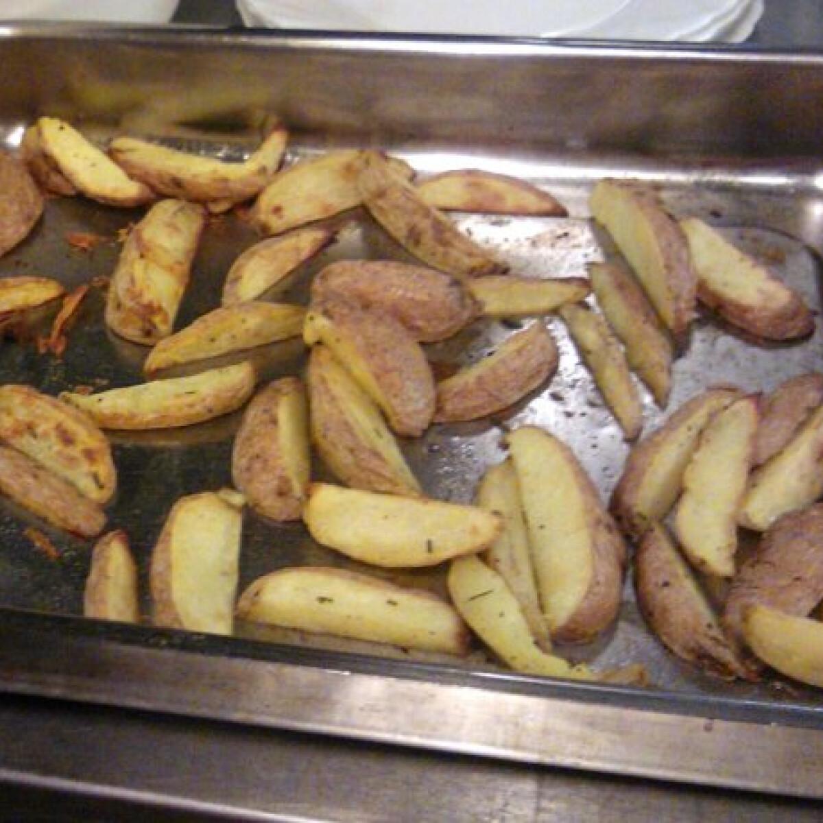 Ezen a képen: Steak burgonya Kokki konyhájából