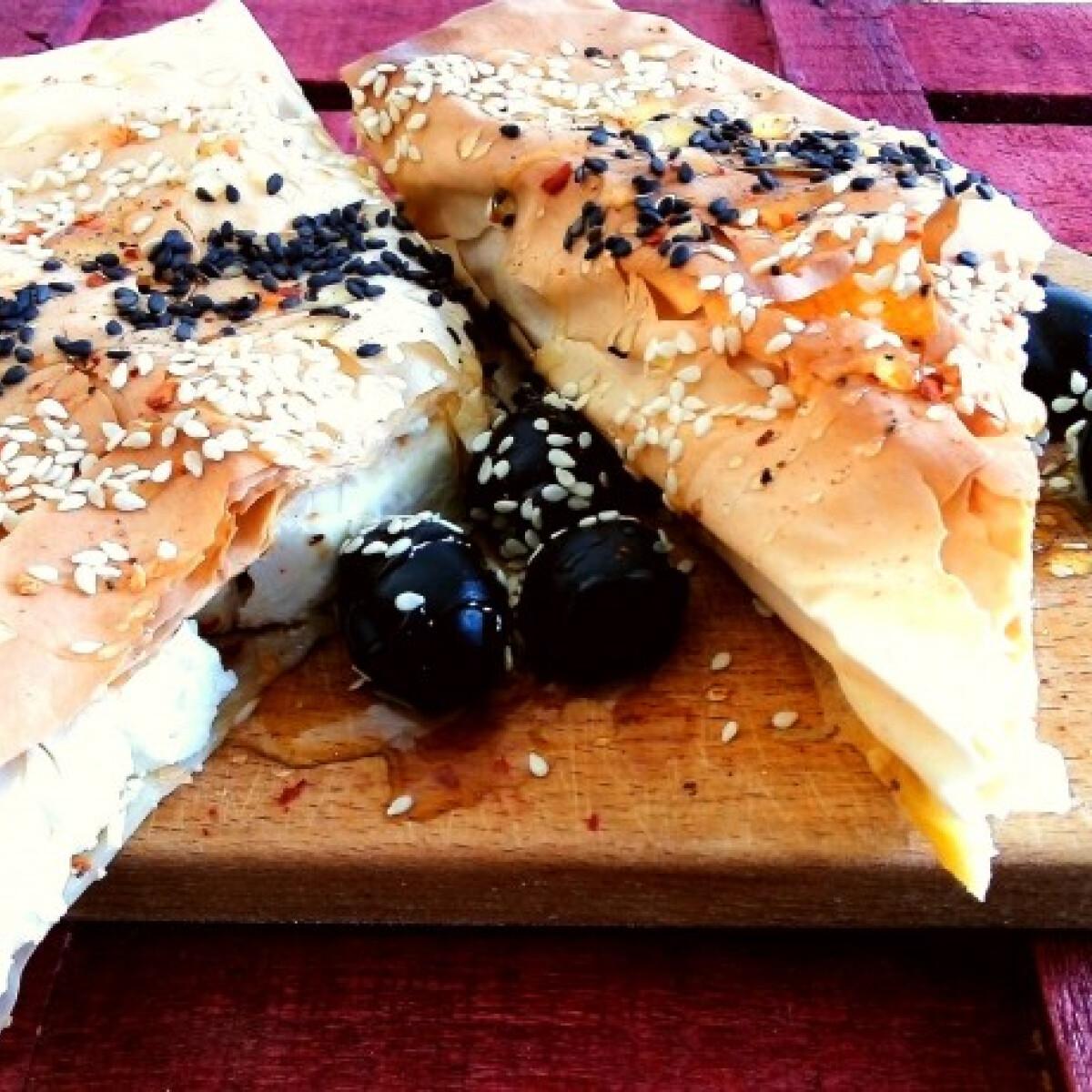 Fetasajtos-pite