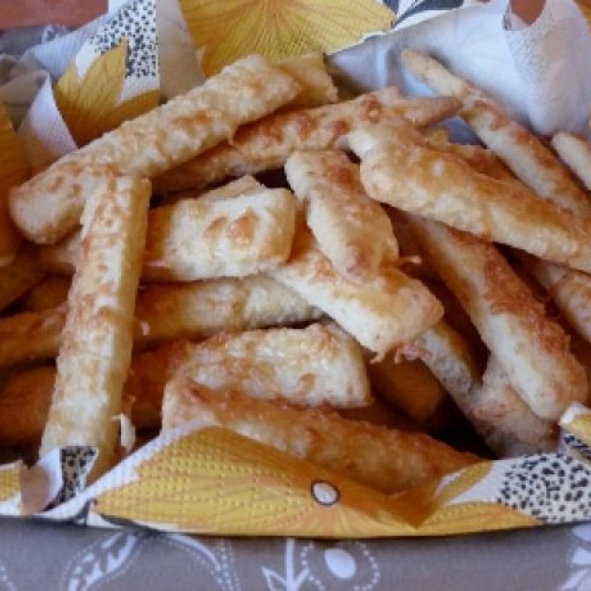 Ezen a képen: Juhtúrós-sajtos rudak