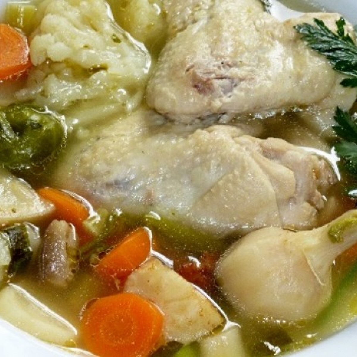 Ezen a képen: Csirkeaprólék leves Mártitól