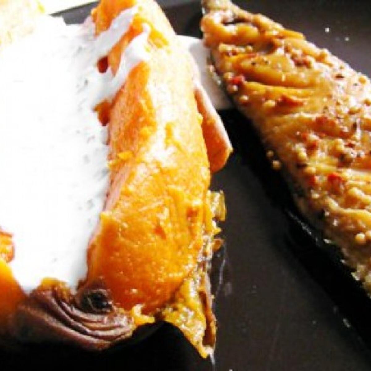 Ezen a képen: Fóliában sült batáta füstölt makrélával
