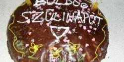 Eperkrémes szülinapot torta