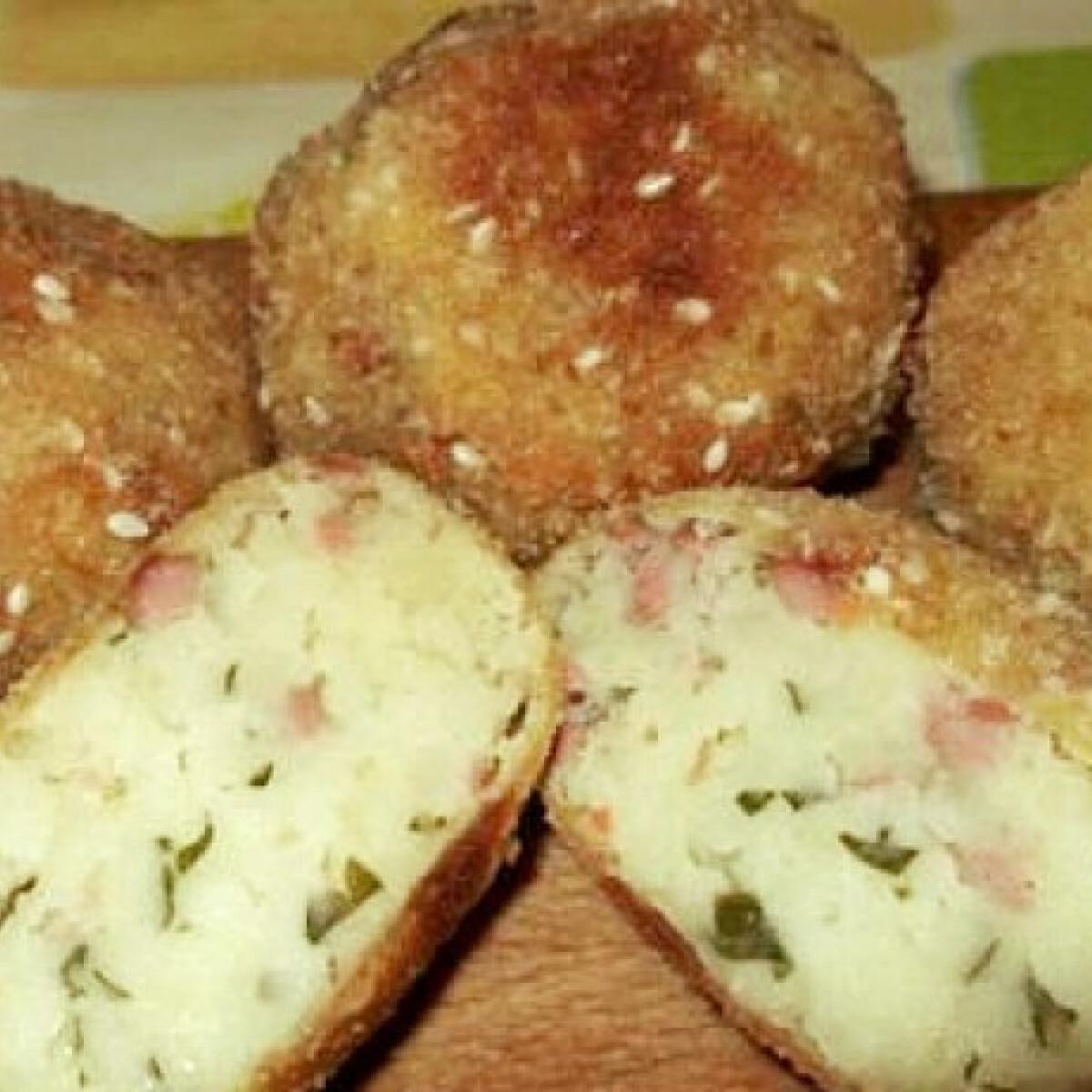 Ezen a képen: Virslis-krumplis golyók