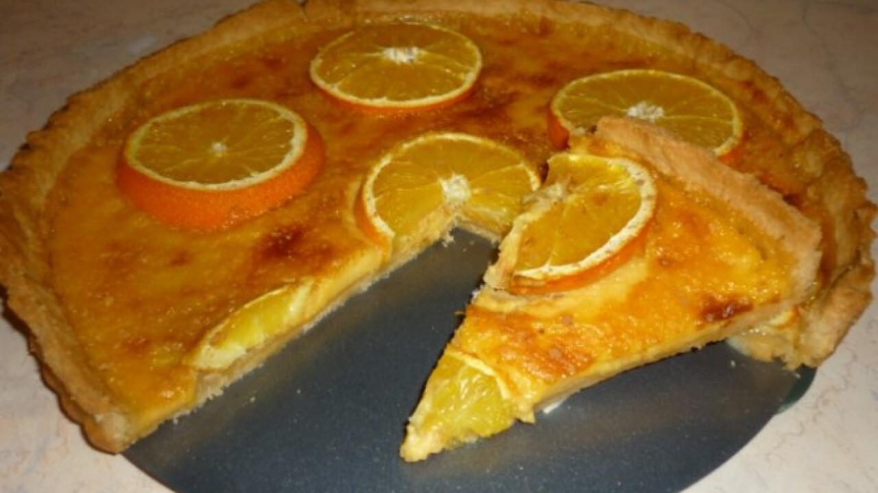 Narancsos pite tejszínes krémmel sütve