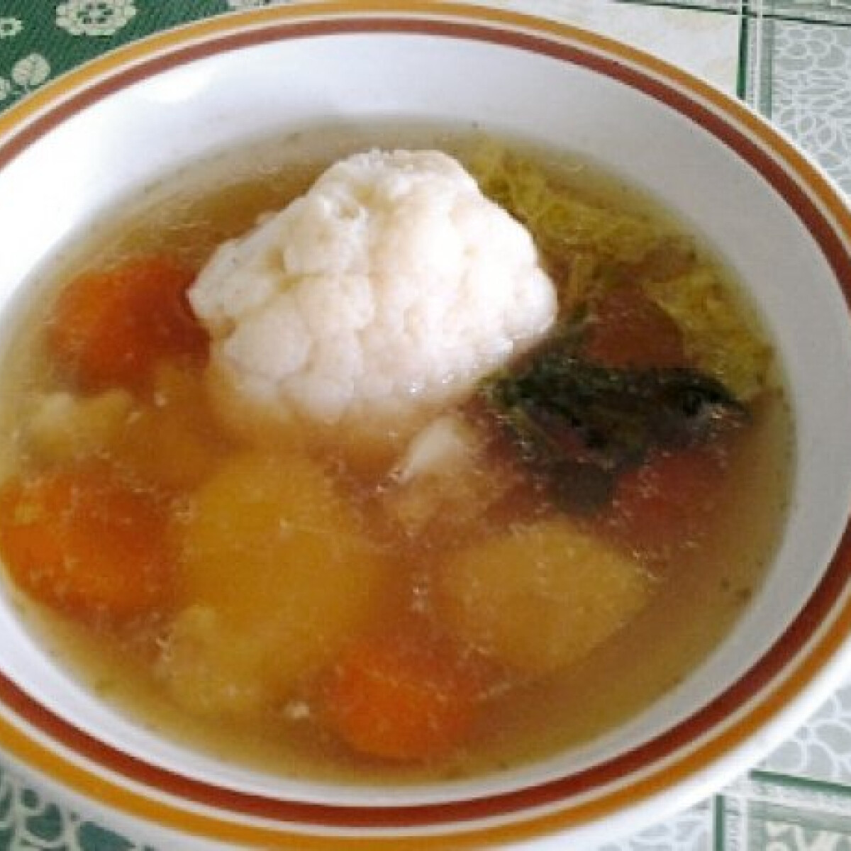 Ezen a képen: Tavaszi leves Olgitól