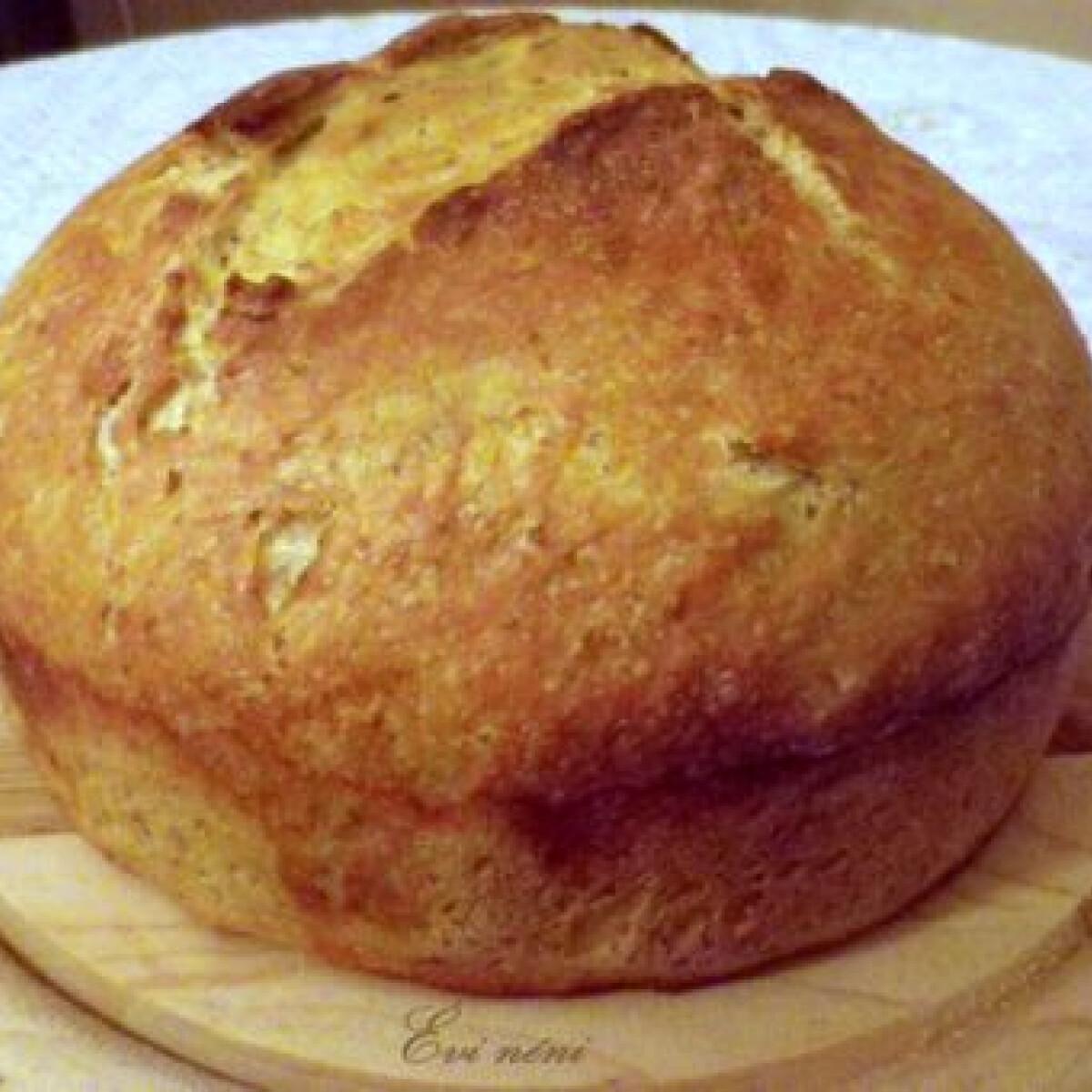 Ezen a képen: Kovászos írós krumplis kenyér