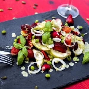 Friss tavaszi saláta Lakatos Márktól