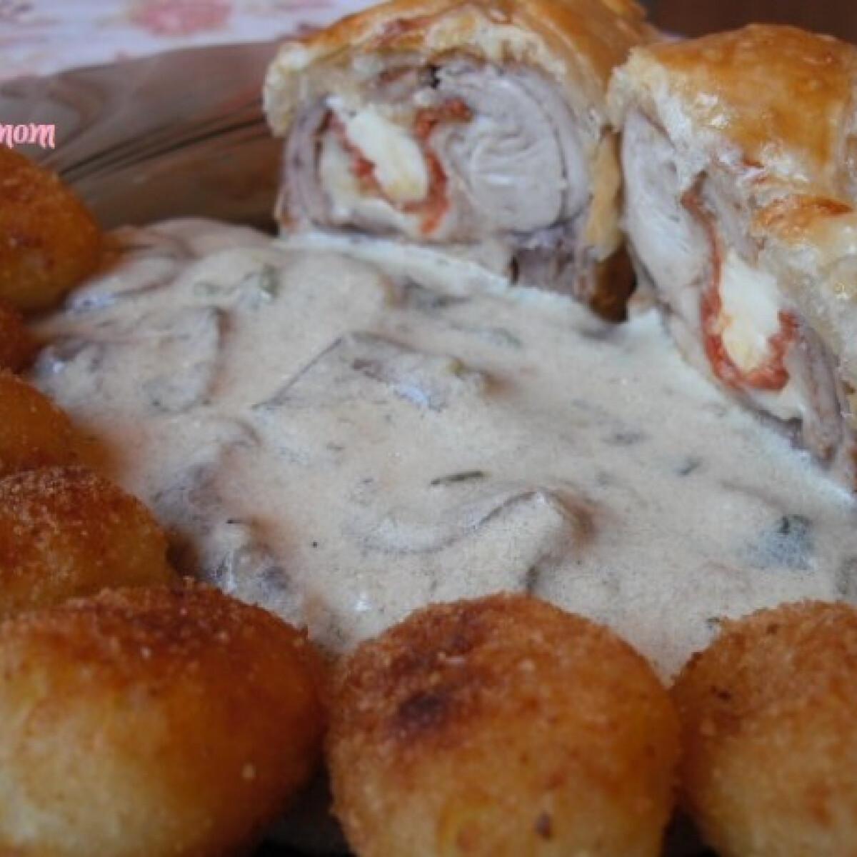 Ezen a képen: Göngyölt csirkecomb leveles tészta bundában