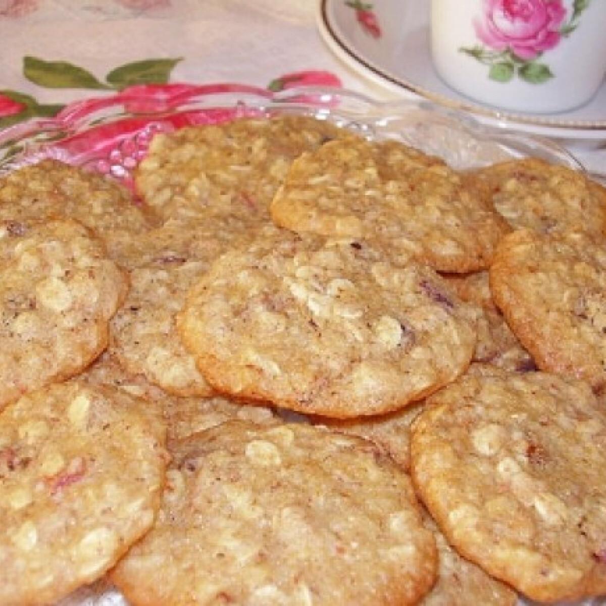 Ezen a képen: Mandulás-zabpelyhes keksz