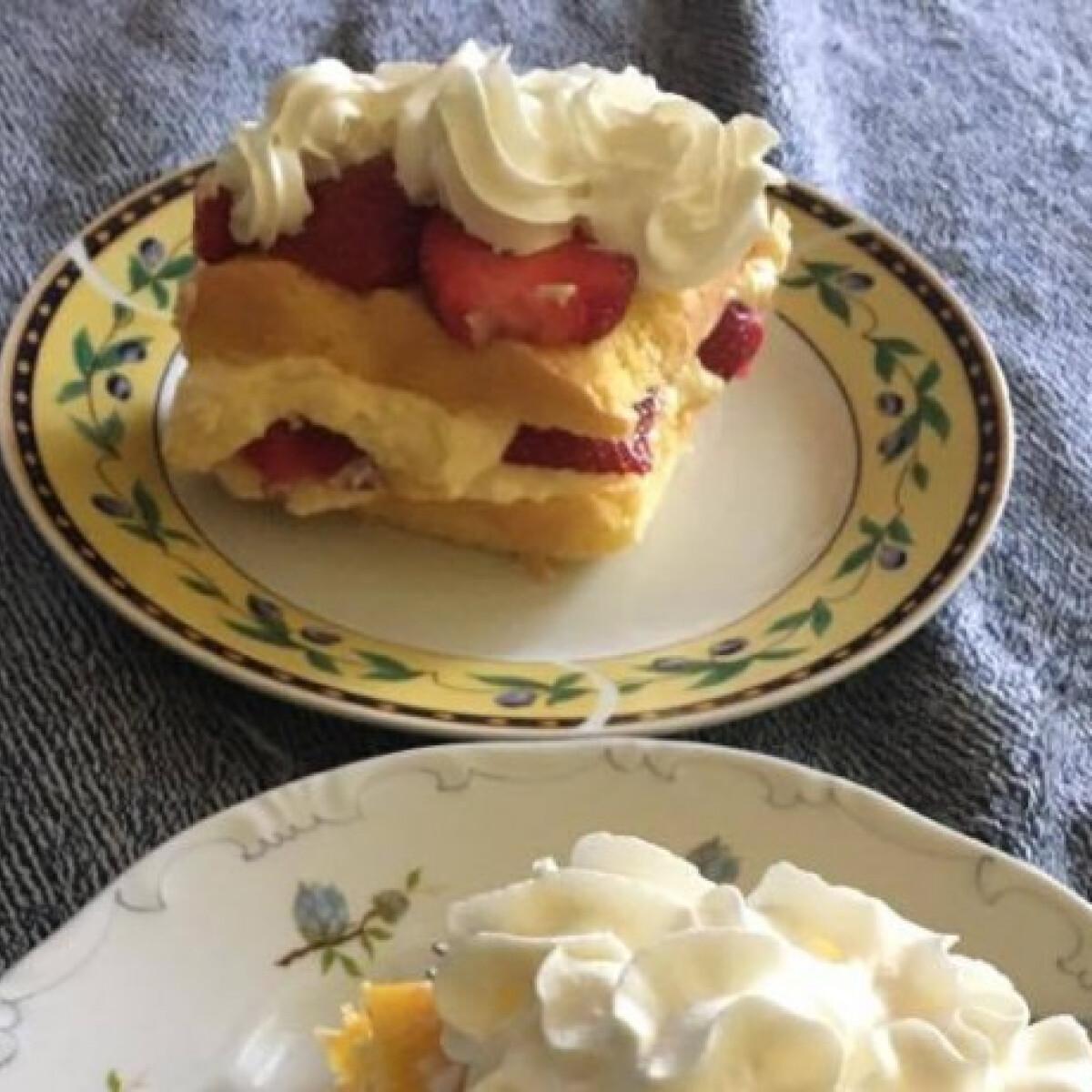 Ezen a képen: Gyümölcsös krémes