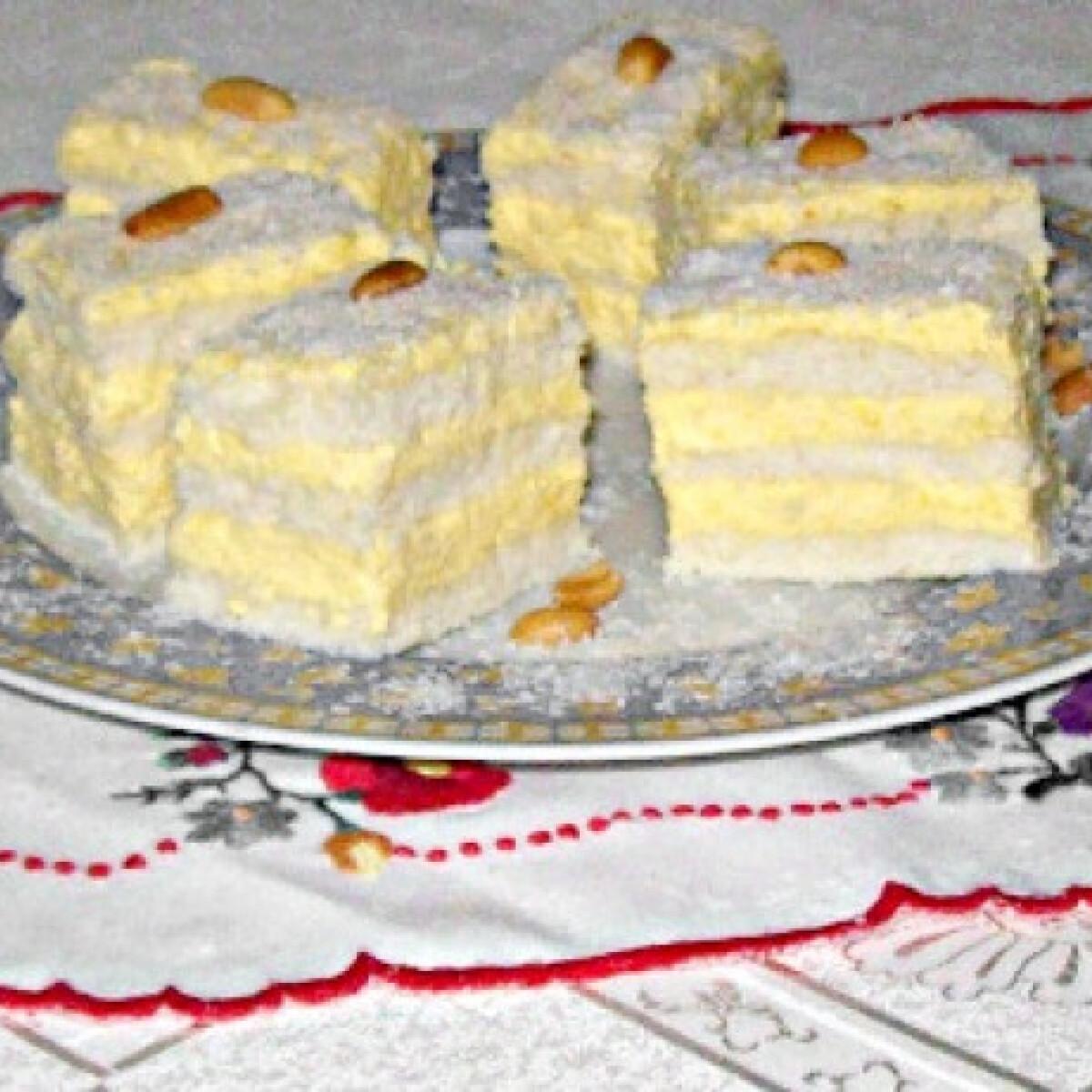 Ezen a képen: Raffaello szelet Edit konyhájából