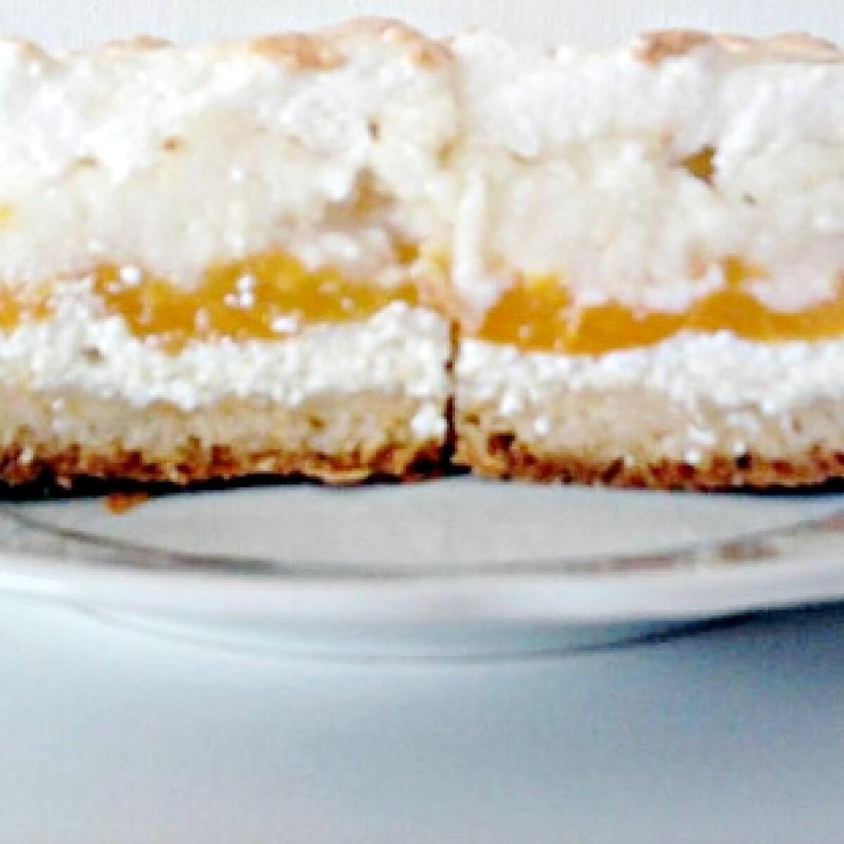 Ezen a képen: Barackos-tejbegrízes sütemény