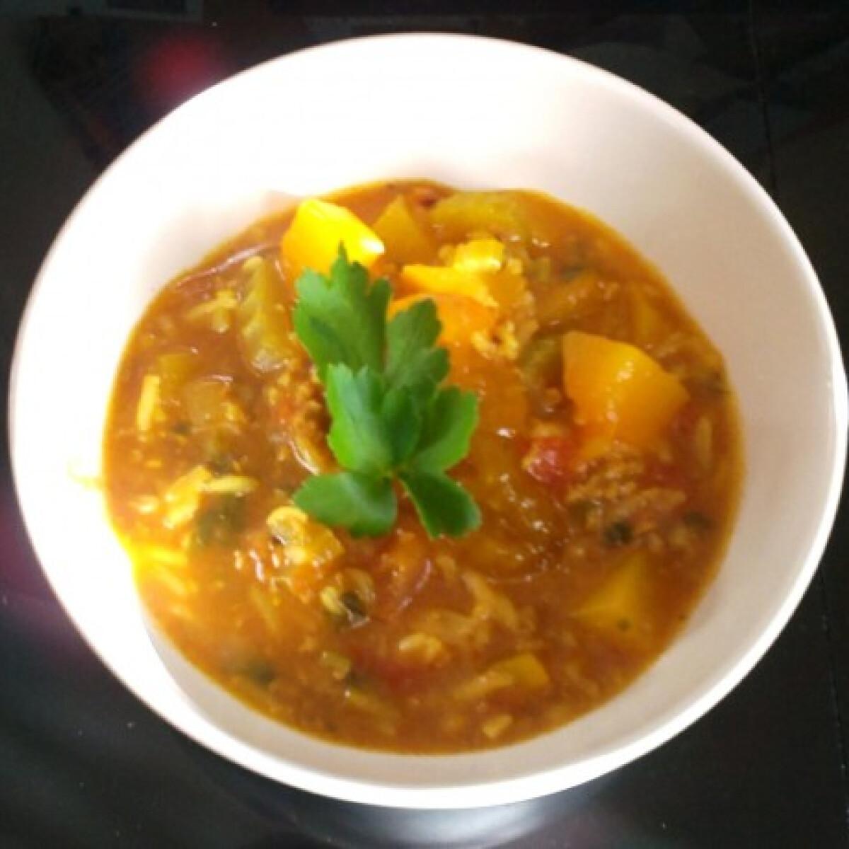Ezen a képen: Indiai leves curryvel Málna konyhájából