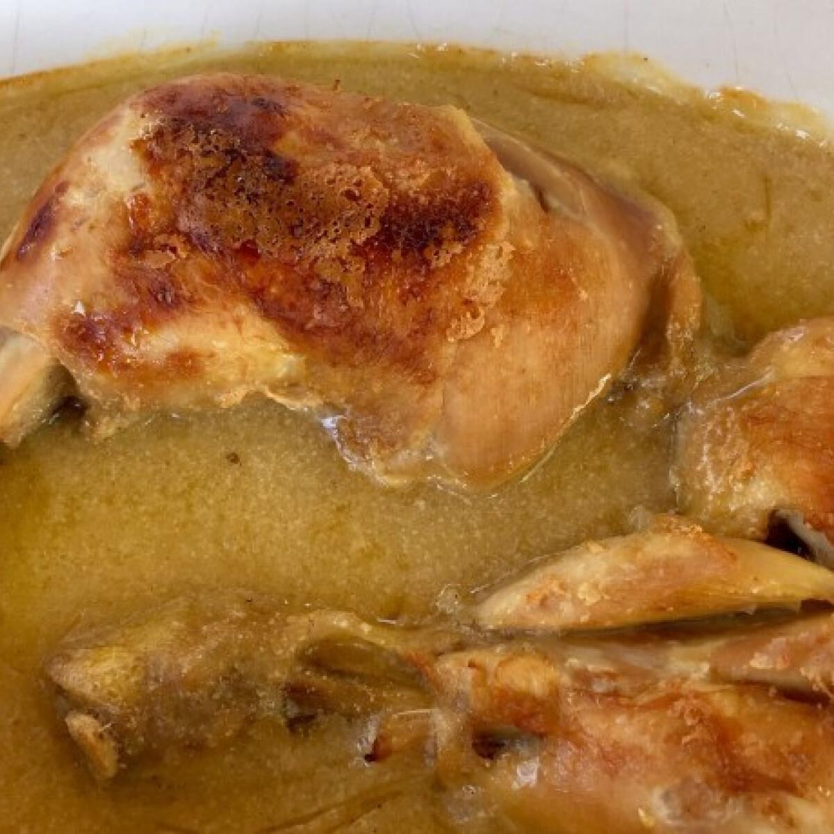 Ezen a képen: Tejben sült csirkecomb almával