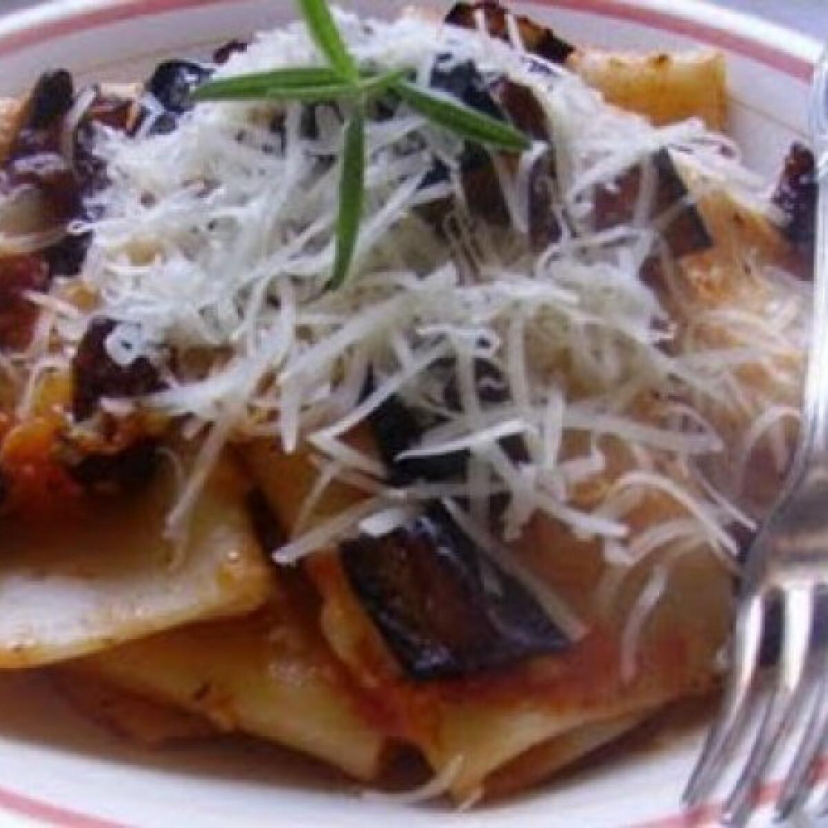 Ezen a képen: Padlizsános tészta - pasta alla Norma