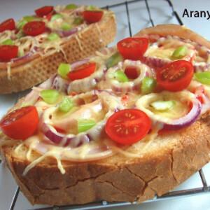 Sonkás-zöldséges melegszendvics