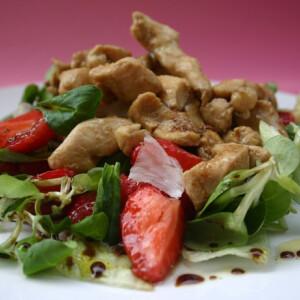 Epres-csirkemelles saláta balzsamöntettel