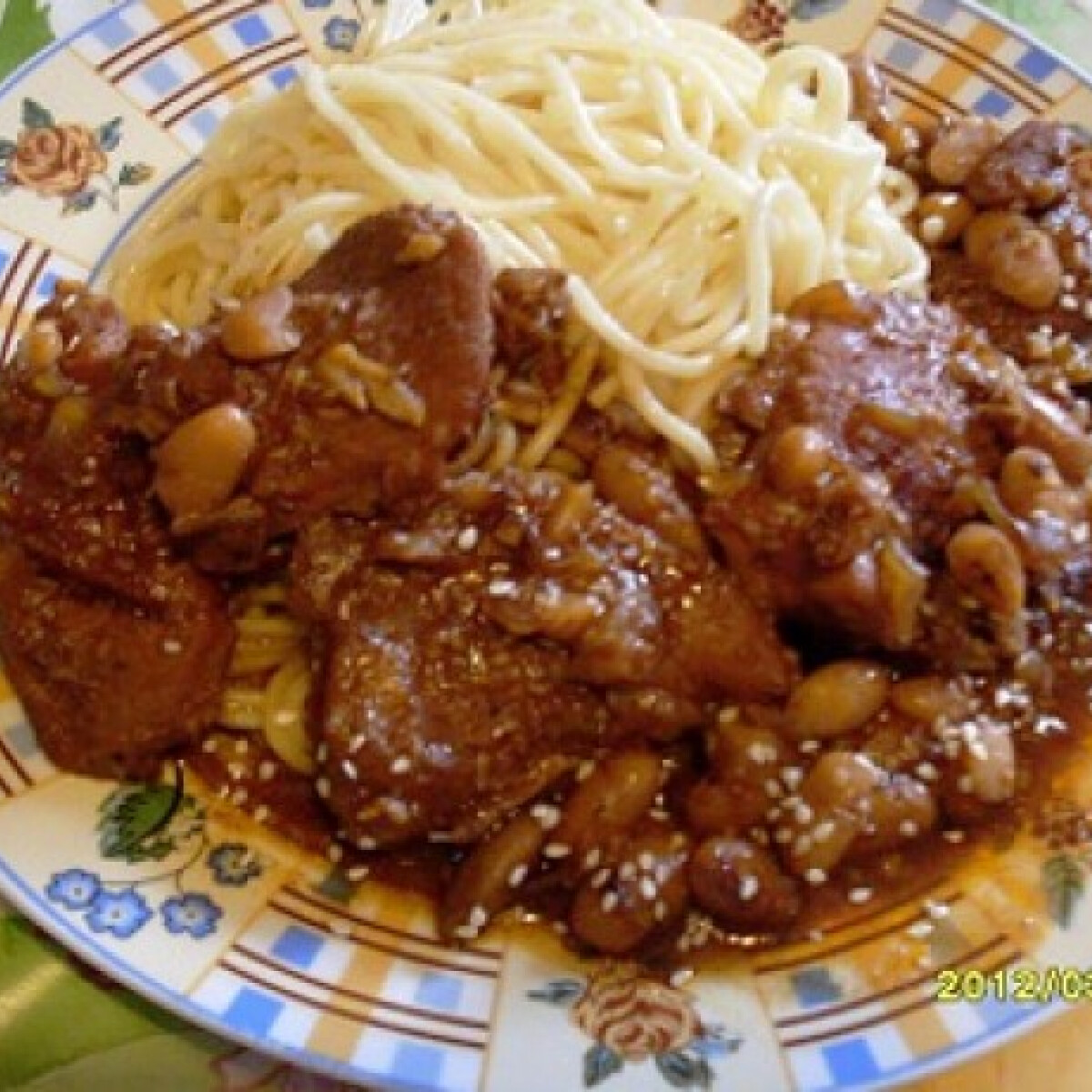Sertéslapocka kínai módra spagettivel