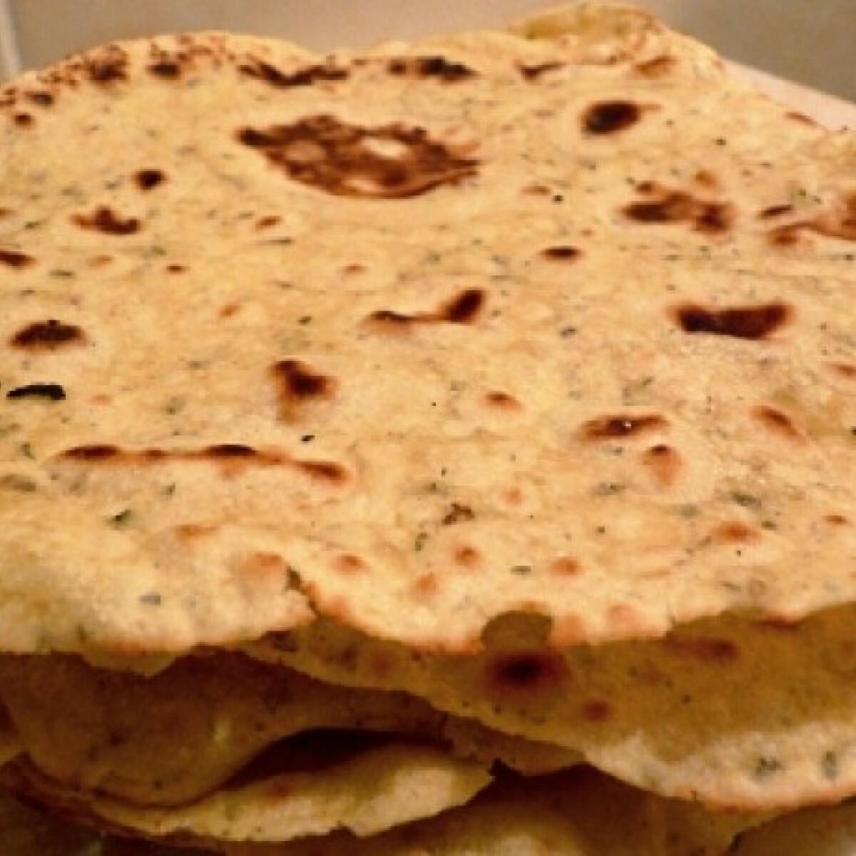 Ezen a képen: Zöldfűszeres-fokhagymás tortilla lap