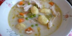 Csirkeleves són sült krumpli gnocchi-val