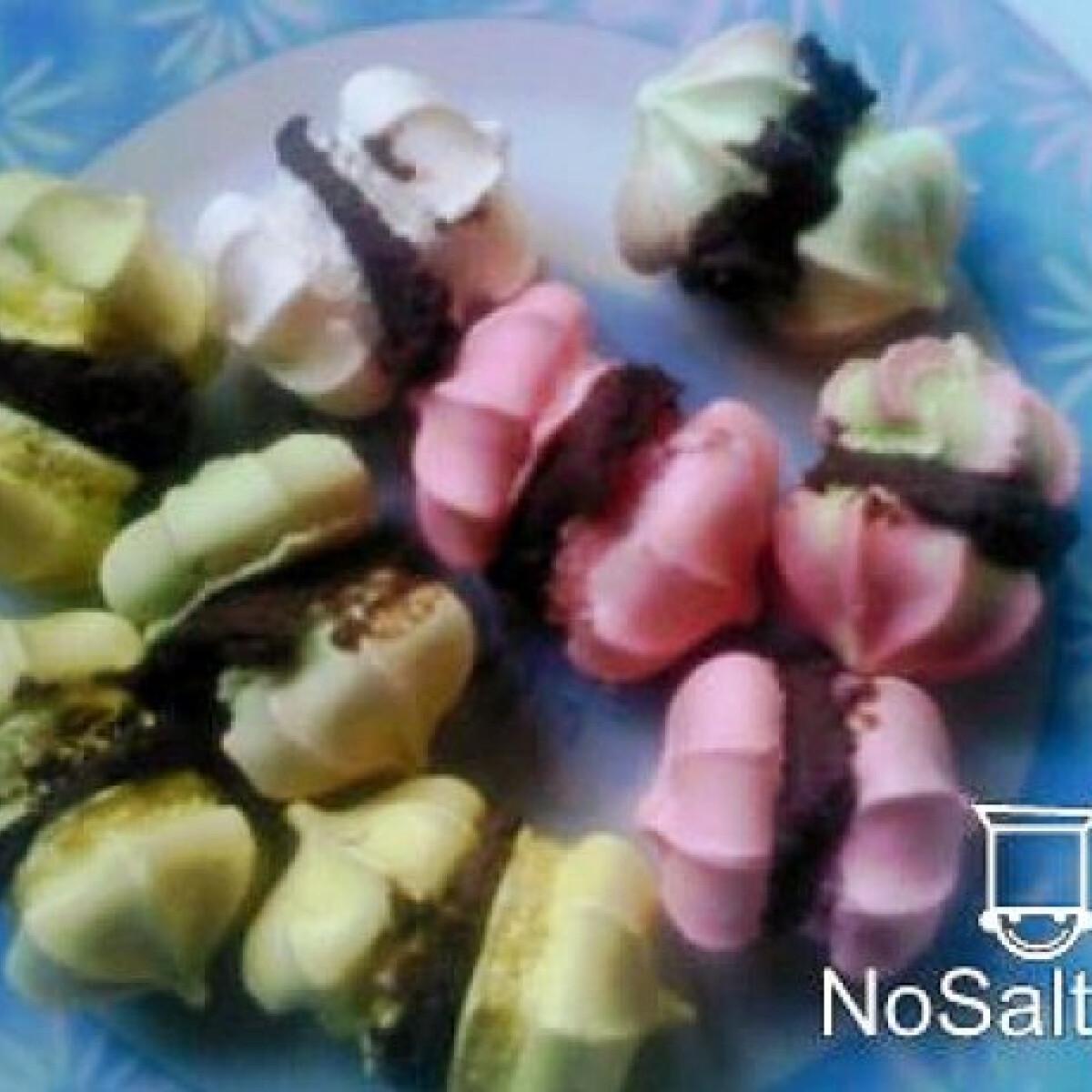 Ezen a képen: Színes habcsók csokikrémmel