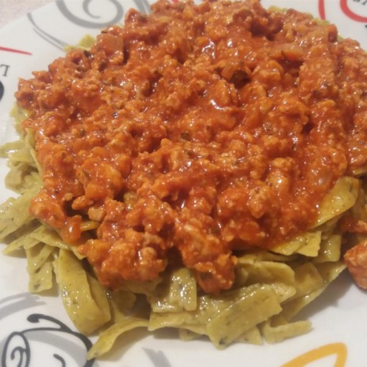 Ezen a képen: Paleo bolognai paleo tésztával