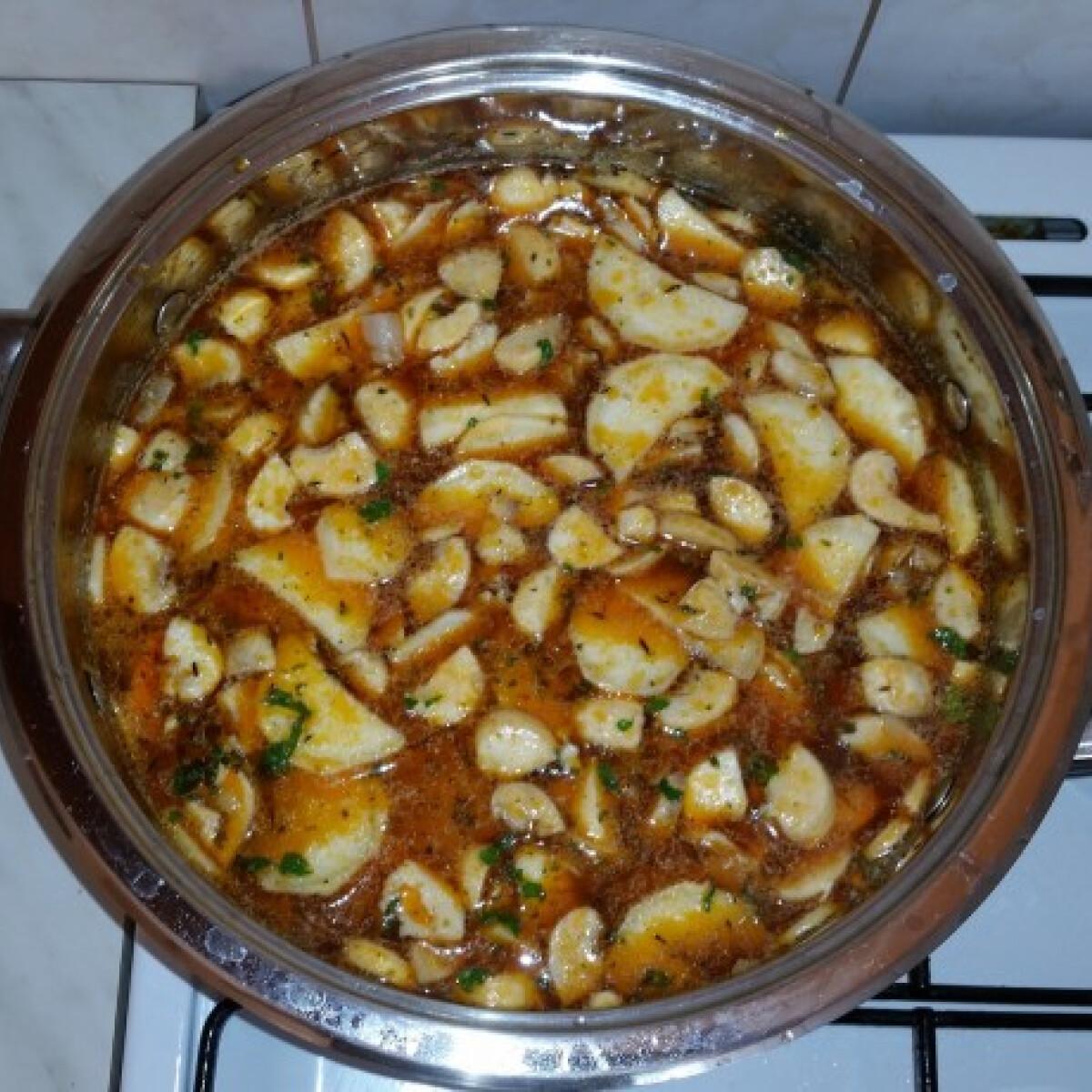 Bakonyi betyárleves gazdagon Hardex konyhájából