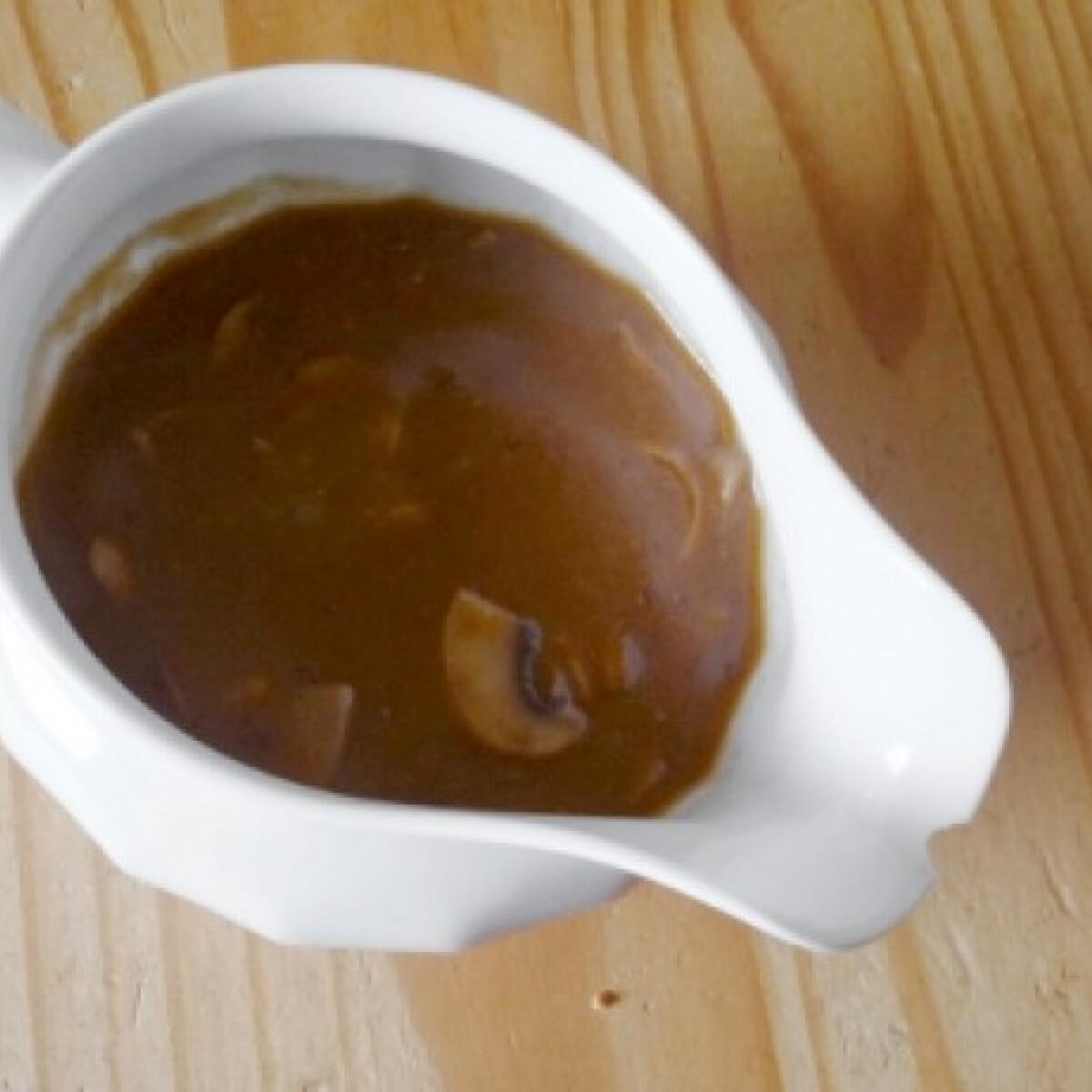 Ezen a képen: Gombás barnamártás újragondolva