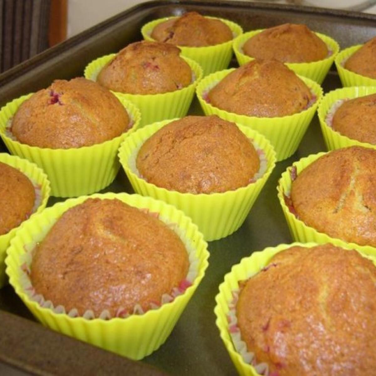 Ezen a képen: Málnás muffin Cynthia konyhájából